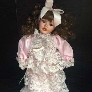 Beautiful Collection DOLL/Ribbon and Laces